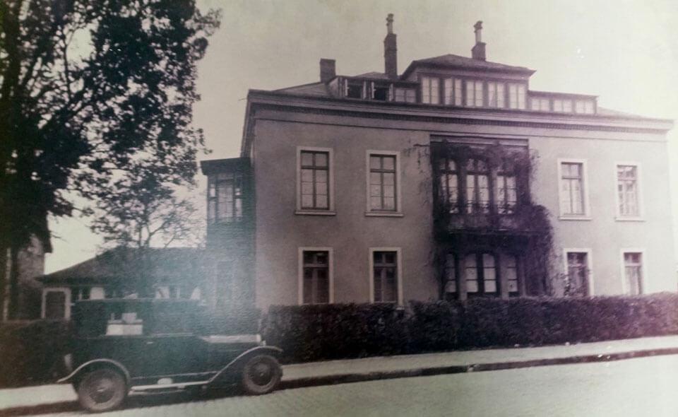 Das Wohnhaus von August vor dem Umbau etwa 1938