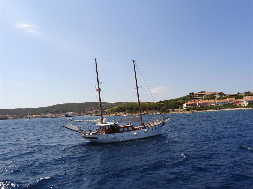 Eine Schiffstour zur Inselwelt La Maddalena