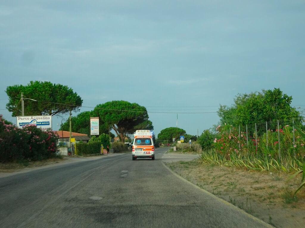 Mit Blaulicht nach Sassari